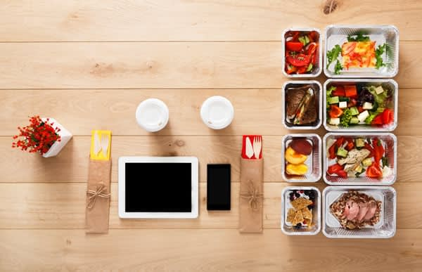 5 or 6 meals per day on specific times.