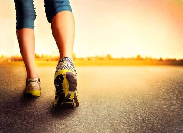 Walking to lose weight - 8 top benefits!